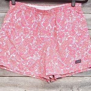 Patagonia Women's Floral Design Shorts Size Large